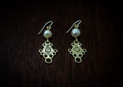 AEP1 - bullet lace and pearl earrings