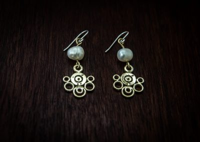 AEP2 - bullet lace and pearl earrings